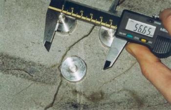 Pomiar szerokości rysy szczelinomierzem kołkowym