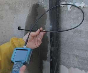 Typowa kamera inspekcyjna z sondą na elastycznym przewodzie
