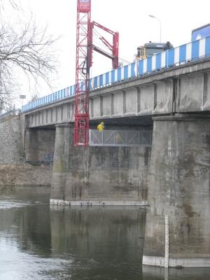 Badania defektoskopowe belek kablobetonowych mostu przez rzekę Wartę w ciągu drogi wojewódzkiej nr 160 w m. Międzychód, 2013
