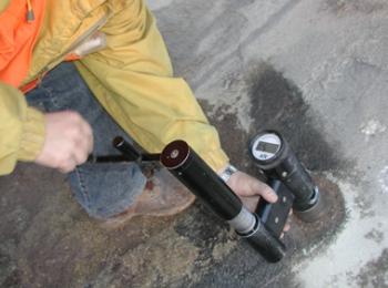 Przykładowy pomiar wytrzymałości betonu na ściskanie metodą pull-out
